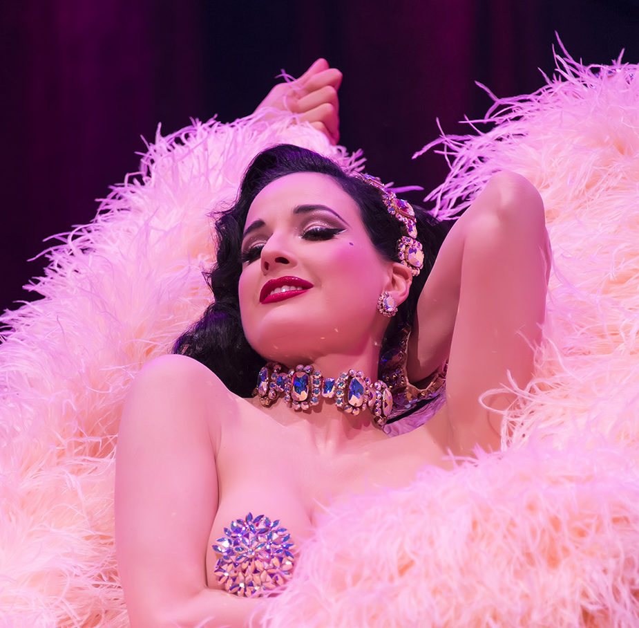 a420997583c Burlesque Superstar Dita Von Teese Performs Sold-Out Homecoming Show ...