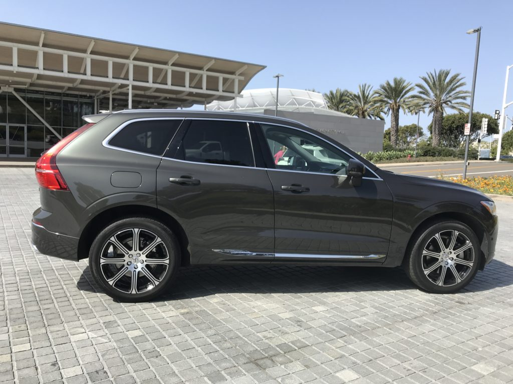 2018 volvo xc60 t6 awd inscription lives up to lofty. Black Bedroom Furniture Sets. Home Design Ideas