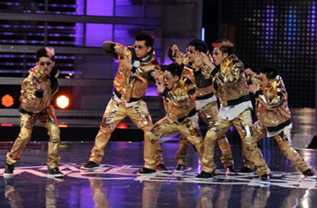 Randy Jackson Presents Americas Best Dance Crew Is In The Midst Of Its Fifth Season With Just Seven Crews Left Battling For Top Spot 100000