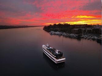 Sunday Night Dinner Cruises in Newport Beach Begin!