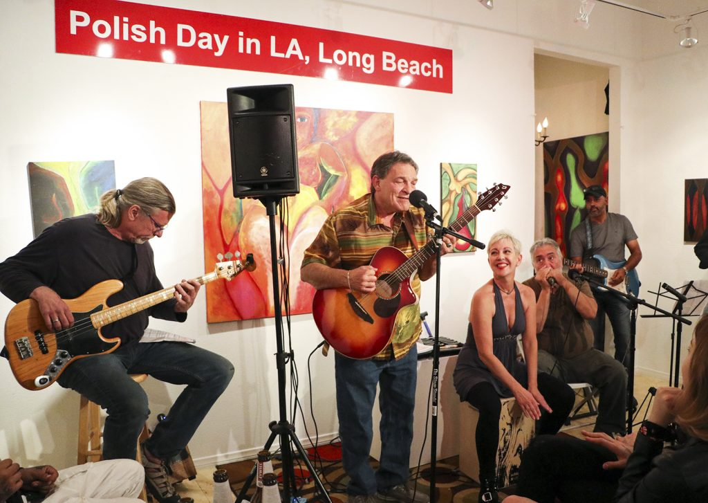 Long Beach Gallery Hosts Polish Day to Celebrate 30 Years of Freedom