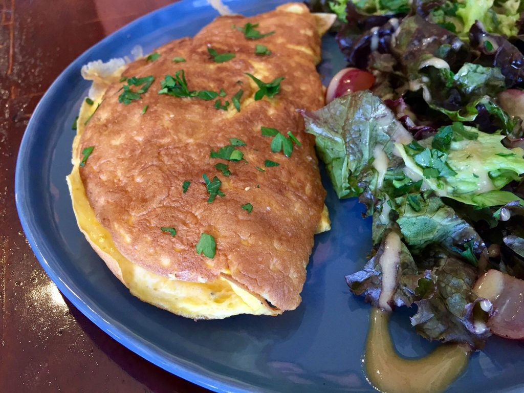The Omelet at the New Délice Breton in San Juan Capistrano Is <i>Oeuf</i>-ing Good